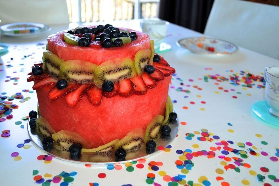 פיסול בפירות - עוגת יומולדת מיוחדת