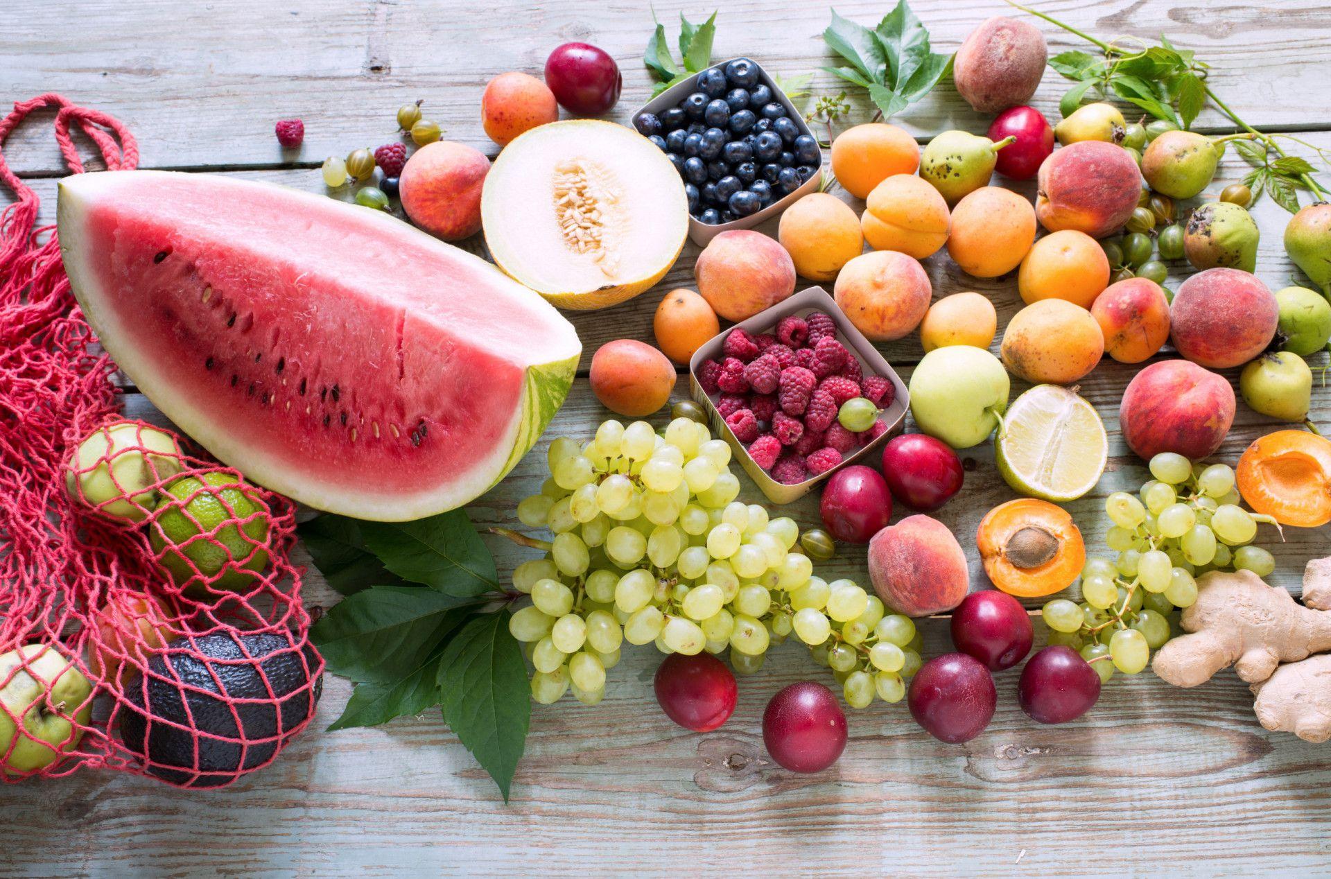 פלטת פירות לאירוח